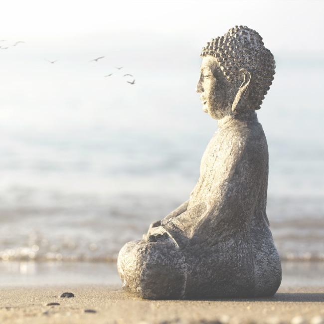Simpson Protokoll nach Ines Simpson. Der meditierende Buddah im Bild symbolisiert den Esdaile Zustand, einen Zustand tiefer Entspannung in der Hypnose. Das simpson protocol ermöglicht eine Kommunikation zwischen Klient und Hypnotiseur auch im Esdaile-Stadium.
