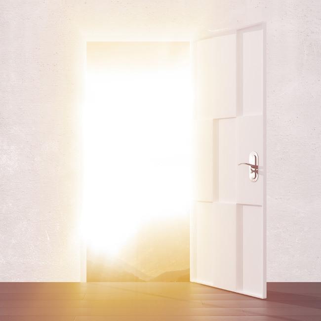 Rückführung Hypnose – die gezeigte geöffnete Tür symbolisiert den neuen Blick auf frühere Leben, der Fragen und Probleme in der jetzigen Reinkarnation besser verstehen lässt. Die Seelenreise in das Leben zwischen den Leben nach Micheal Newtongeht in der Betrachtung der Zusammenhänge über die klassische Reinkarnationstherapie einen wesentlichen Schritt hinaus und hilft, sich selbst zu erkennen und anzunehmen.