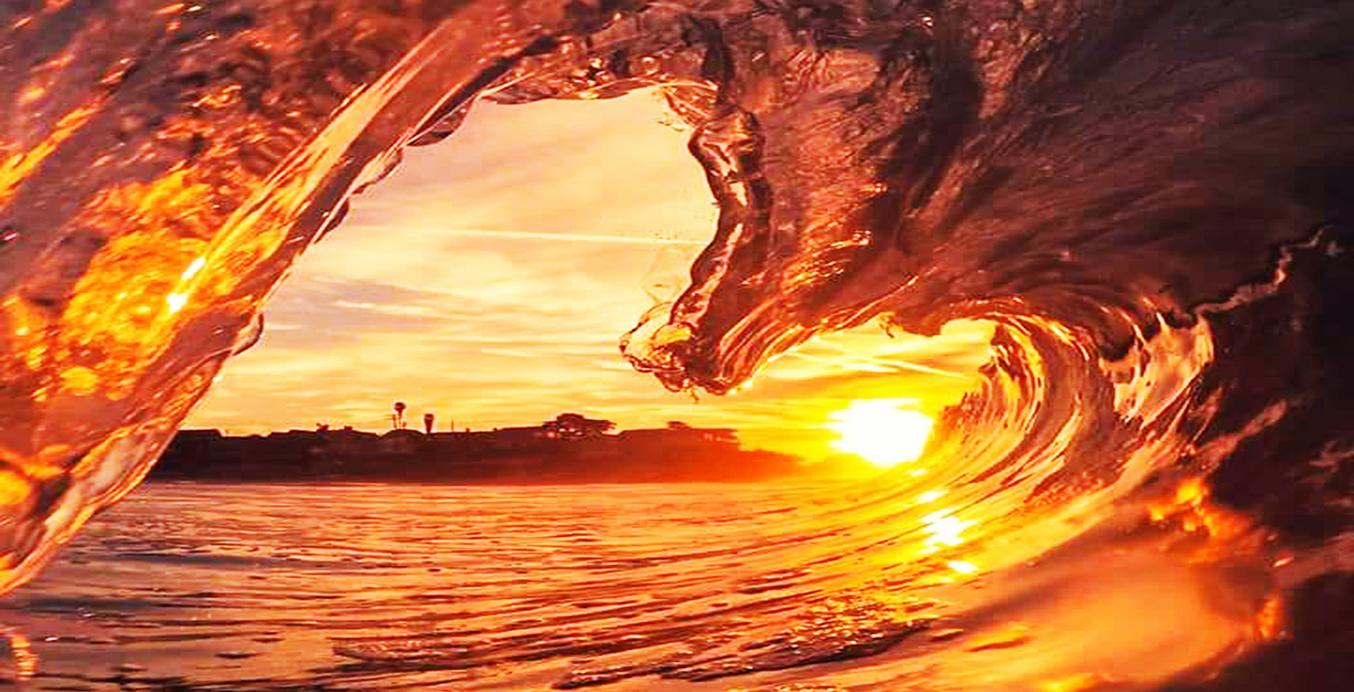 Seelischer Schmerz bricht nicht nur das Herz – eine herzförmige Welle bricht um